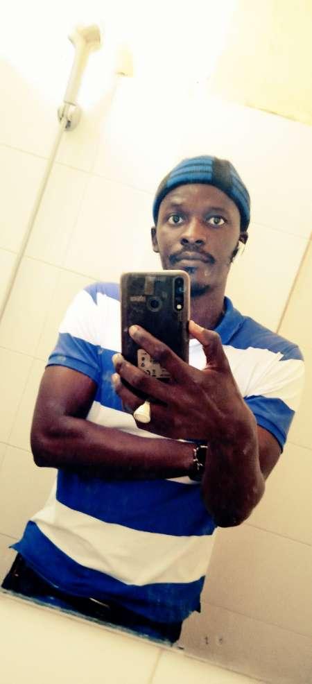 Black d'origine sénégalais cherche femme pour rela